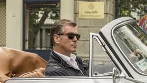 Peter Devereaux é um ex-agente da CIA extremamente perigoso e altamente treinado. Há algum tempo vivendo em seu tranquilo retiro, ele é persuadido a voltar ao trabalho para realizar uma missão muito pessoal. Devereaux deve proteger uma testemunha valisosa, Alice Fournier, que possui informações reveladoras num caso de conspiração internacional. Logo, ele descobre que sua tarefa o coloca como alvo de um antigo colega da CIA, o agente David Mason, a quem havia treinado. Cresce em Devereaux suspeitas de que existe infiltrados na agência e que, dessa forma, ele não pode confiar em nada e nem ninguém.
