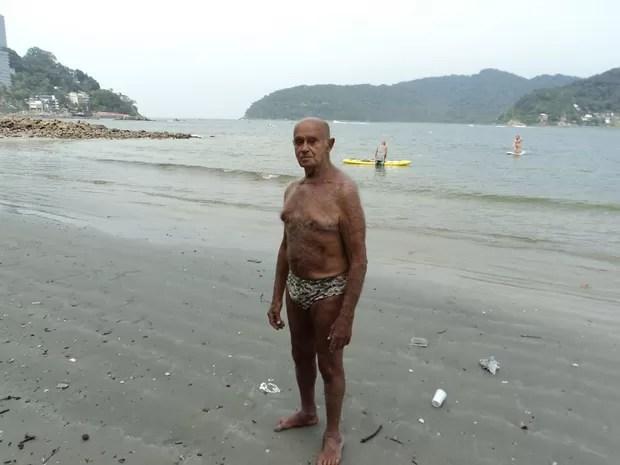 Nicomedes em 2014, na praia, em São Vicente (Foto: Arquivo Pessoal)