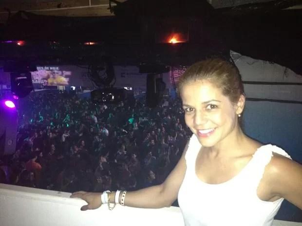 Nívea Stelmann em festa no Rio (Foto: Twitter/ Reprodução)