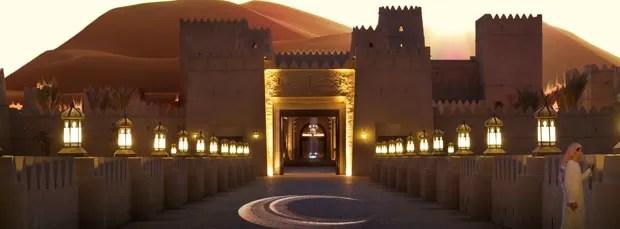 Passagem do hotel que proporciona uma vista deslumbrante ao visitante