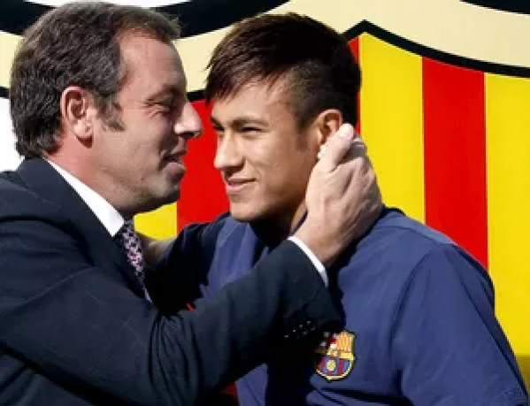 Neymar com Sandro Rosell presidente do Barcelona apresentação