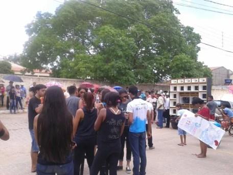 Manifestação contra a PEC 55 em, EXu, no Sertão de PE (Foto: Edvan De Alencar Monteiro/ Arquivo pessoal)
