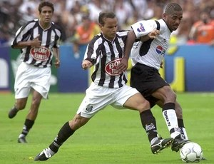 Robert, Santos 2002 (Foto: Celso Junior / Agência Estado)