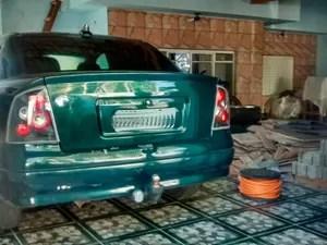Carro do suspeito de decapitação em Mogi das Cruzes e Poá (Foto: Jenifer Carpani/ G1)