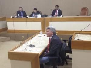 Deputado Eider Pena foi o único parlamentar envolvido a comparecer (Foto: Dyeperson Martins/G1)