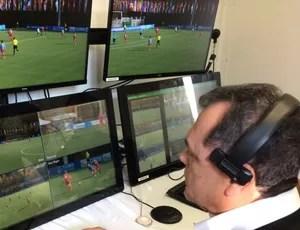 Manoel Serapião Filho em teste do árbitro de vídeo na Suíça IFAB (Foto: Divulgação/CBF)