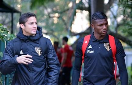 Anderson Martins, Arboleda e Bruno Alves estão sendo usados na zaga por Aguirre — Foto: Érico Leonan / saopaulofc.net