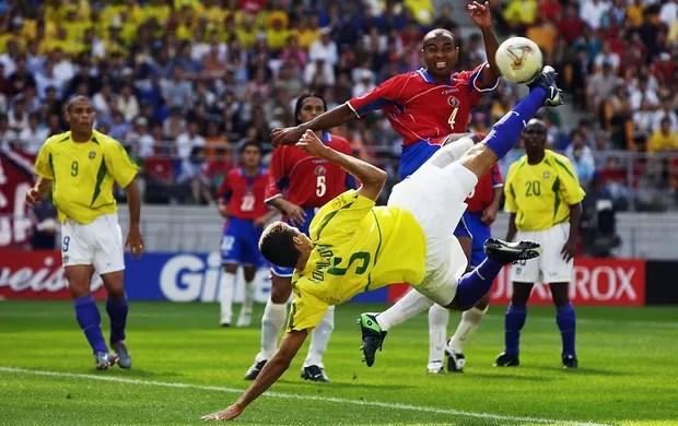Costa Rica ante Brasil en Japón y Corea 2002. Foto de: www.grimeforum.com