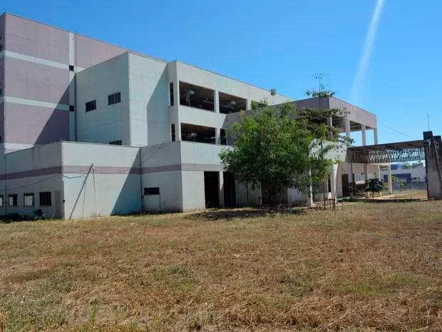 Obra foi paralisada em 2011 após CNJ detectar problemas no projeto (Foto: Jeferson Carlos/ G1)