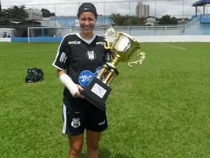 Taynara já foi atleta de equipe do litoral paulista em 2011 (Foto: Arquivo Pessoal)