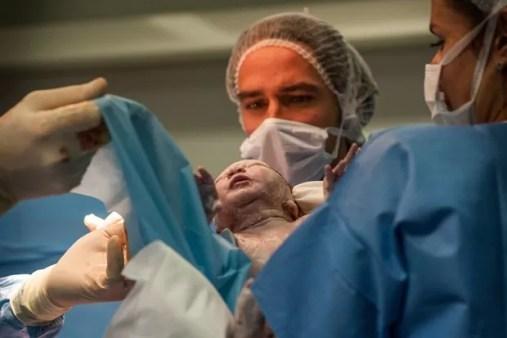 esolução da ANS tem como objetivo diminuir cesáreas desnecessárias  (Foto: Albane Noor/BSIP)