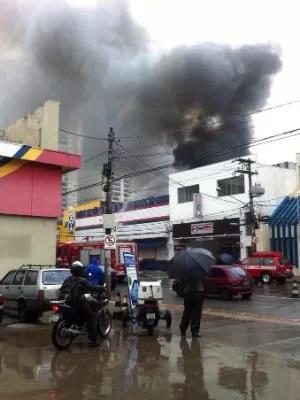 Loja será interditada pela Defesa Civil após incêndio em Jundiaí (Foto: Anderson Alves / Arquivo Pessoal)