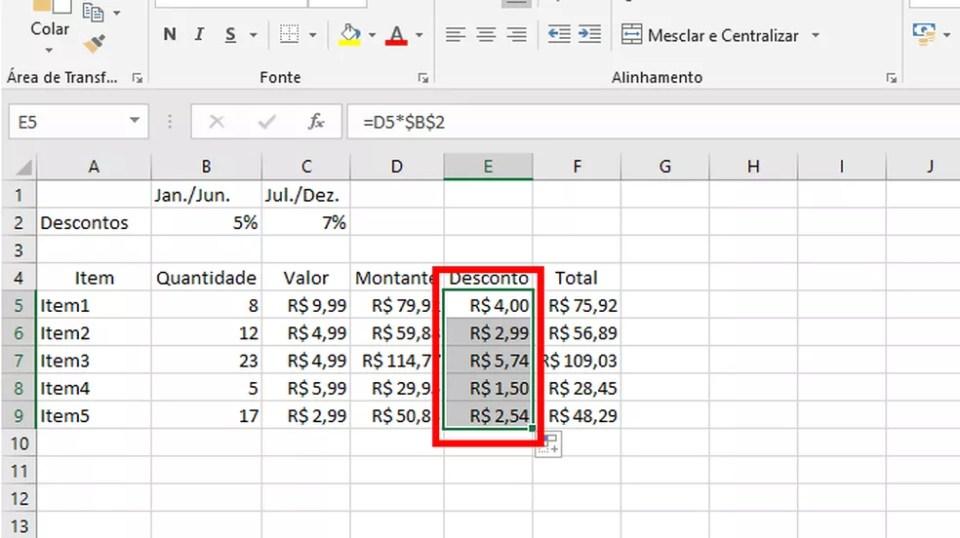 """Arraste o mouse para copiar as operações com a """"Célula Absoluta"""", configurada pelos sinais """"$"""" (Foto: Reprodução/Daniel Ribeiro)"""