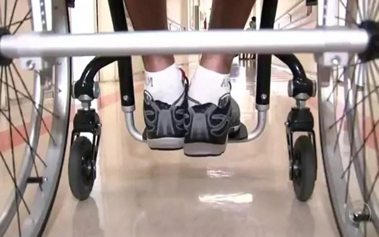 Segundo pesquisa, 50% das pessoas que sofreram acidentes de trânsito ficaram paraplégicas ou tetraplégicas (Foto: Reprodução/TV TEM)