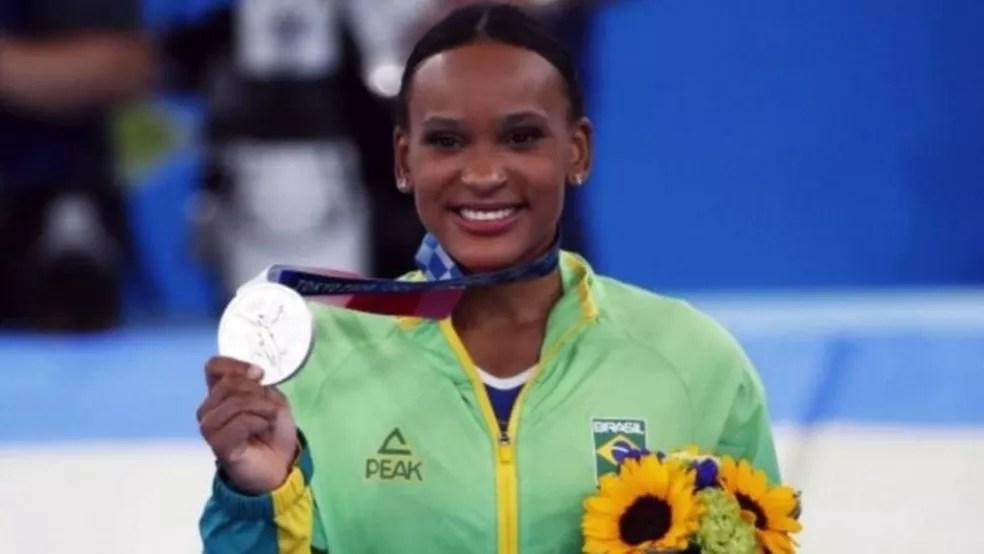 Rebeca Andrade foi prata no individual geral em Tóquio 2021 — Foto: Reuters