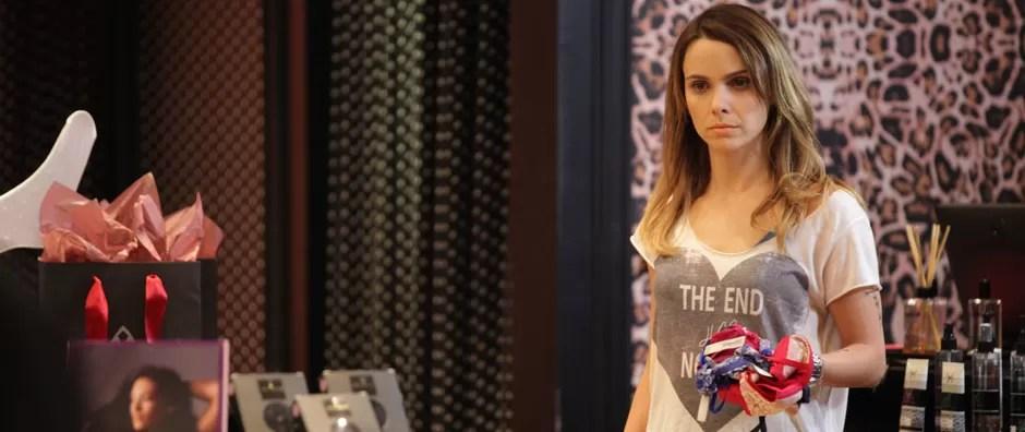 Débora Falabella vive namorada  de assassino que sofre de transtorno (Dupla Identidade/TV Globo)