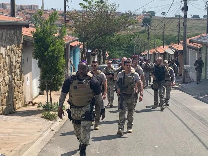 Policiais militares que atuaram no sequestro após roubo em Viracopos  — Foto: Marcello Carvalho/G1