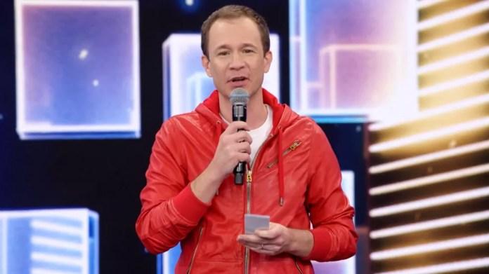 Tiago Leifert apresentou o'Domingão do Faustão' no dia 13 de junho — Foto: Reprodução/TV Globo