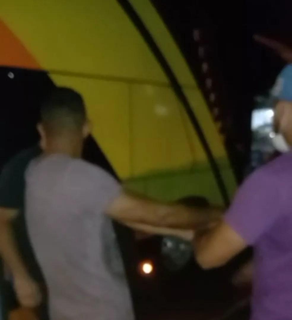 Daniel foi preso quando tentava ir para Cruzeiro do Sul  — Foto: Asscom/Polícia Civil