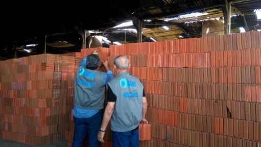 Dez ações de fiscalização em pontos de venda e indústrias cerâmicas de Natal e região metropolitana foram feitas pelo Ipem-RN (Foto: Divulgação/Ipem-RN)