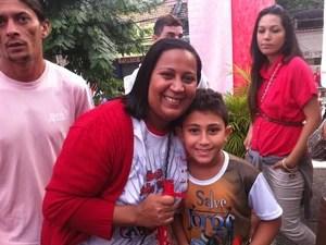 Suzana Dias, de 33 anos, é táxista e devota de São Jorge. (Foto: Renata Soares/G1)