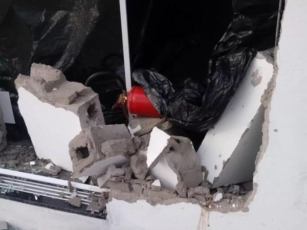 Comerciante fica ferida após carro invadir depósito de bebidas em Buritama (SP) (Foto: Arquivo pessoal)
