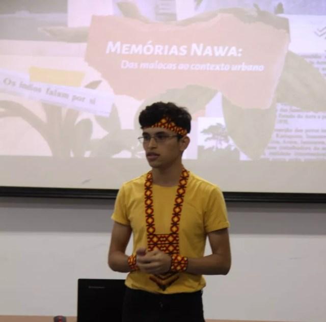 Estudante apresentou documentário na Universidade Federal de Pernambuco — Foto: Arquivo pessoal