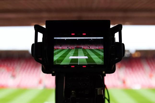 Nova legislação determina que time mandante passe a ter o direito de negociar a transmissão da partida — Foto: Getty Images