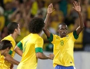 Ramires, Brasil x China (Foto: Agência AP)