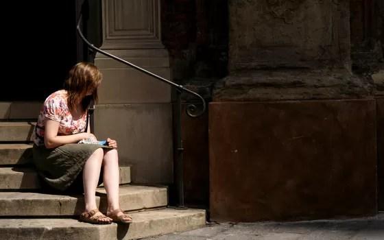 Quase 8% dos adultos brasileiros têm depressão. Uma associação de médicos diz que todos devíamos ser examinados (Foto: Free Images)