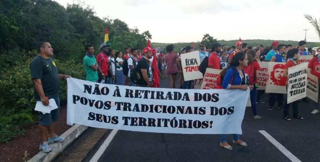 Manifestantes bloqueiam acesso ao Centro de Lançamento de Alcântara (Foto: Divulgação)