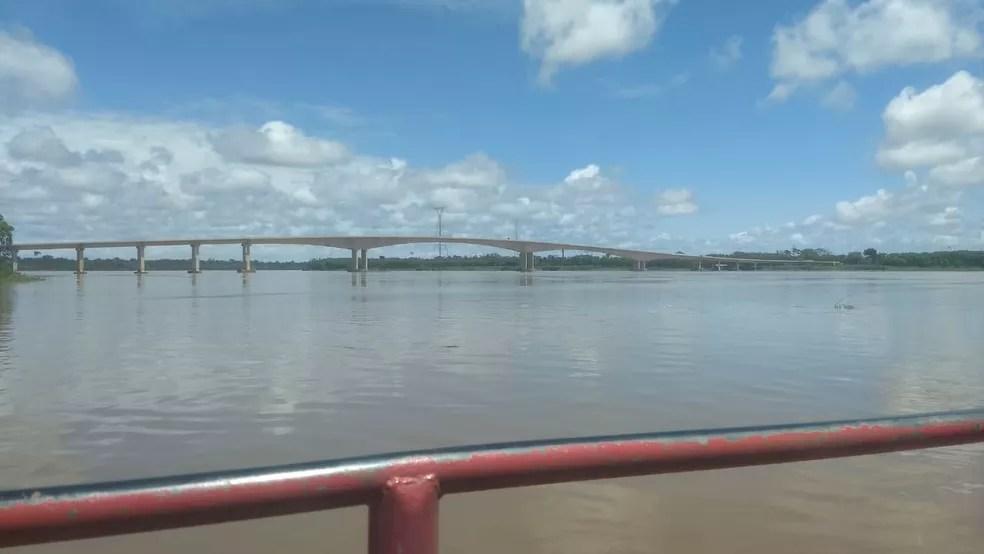 Ponte sob o Rio Madeira, que liga Rondônia e Acre — Foto: Mayara Subtil/Rede Amazônica