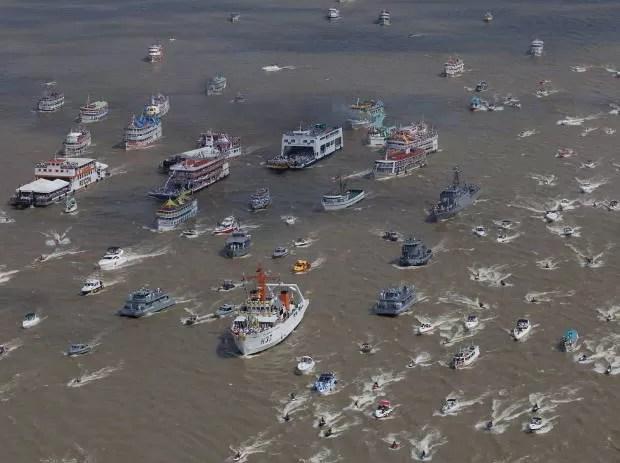 Milhares de embarcações e ribeirinhos participam da homenagem. (Foto: Shirley Penaforte/ O Liberal)