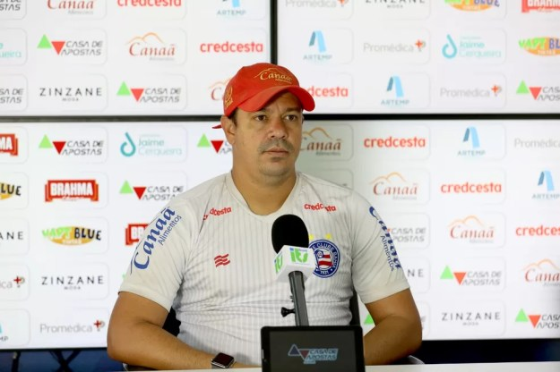 Dado Cavalcanti falou sobre a manutenção da formação titular do Bahia — Foto: Felipe Oliveira / Divulgação / EC Bahia