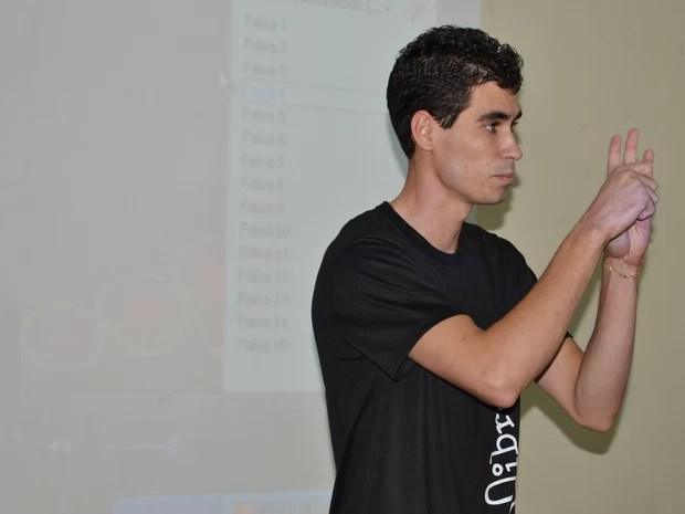 Curso de libras (Foto: Fabrício Terreza/Divulgação)