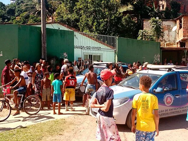 Homem invadiu escola e matou professora em Cateslo Barnco, Salvador, Bahia (Foto: Ramon Ferraz / TV Bahia)