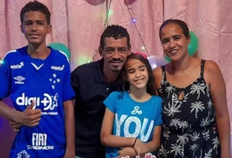 Osvaldo, Sílvia, Otávio e Isabele foram soterrados por barreira quando estavam em casa, em Jaboatão dos Guararapes, no Grande Recife — Foto: Acervo de família/Reprodução