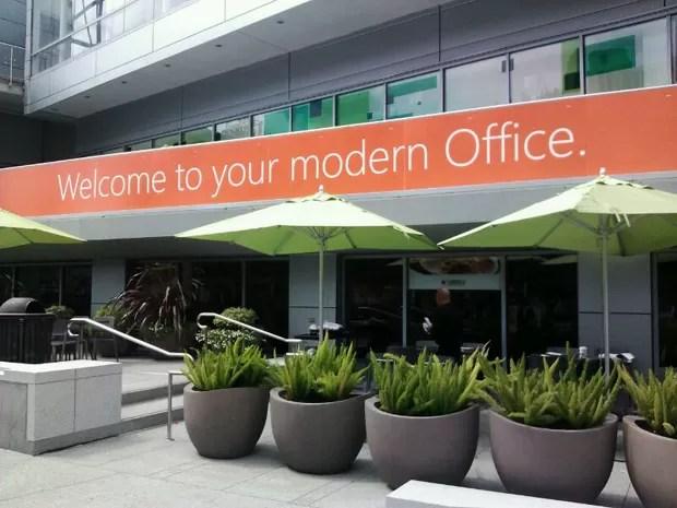 Chegada do evento da Microsoft sobre o novo pacote Office (Foto: Laura Brentano/G1)