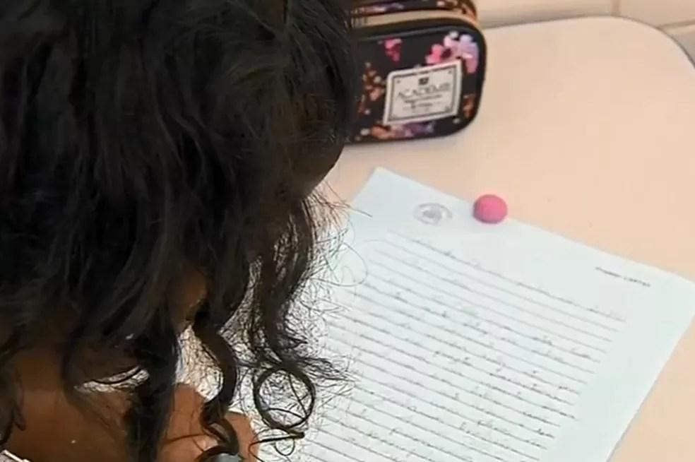 Criança na escola — Foto: TV Globo/ Reprodução