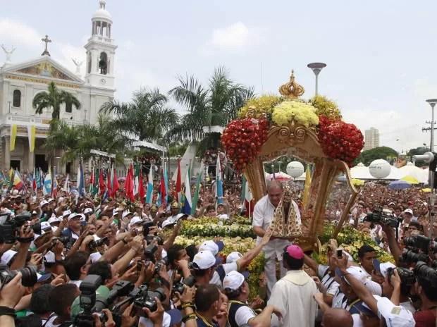 Sensação de dever cumprido toma conta dos romeiros com a chegada da Berlinda a Praça Santuário.  (Foto: Camila Lima/ O Liberal)