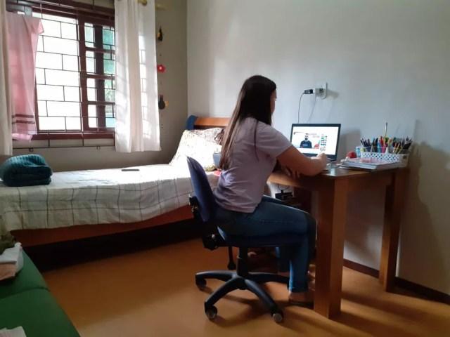 """Noemi excluiu suas redes sociais para não """"cair na tentação"""", segundo ela — Foto: Jornal Folha Norte SC/Reprodução"""