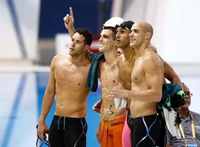 Joao De Lucca , Nicolas Oliveira , Thiago Pereira e Bruno Fratus avançam no 4x100m livre (Foto: Rob Schumacher-USA TODAY Sports)