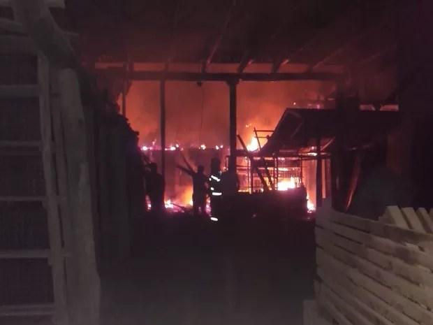 Incêndio atinge cerâmica no sul do estado (Foto: BV Claudiomir/Divulgação)