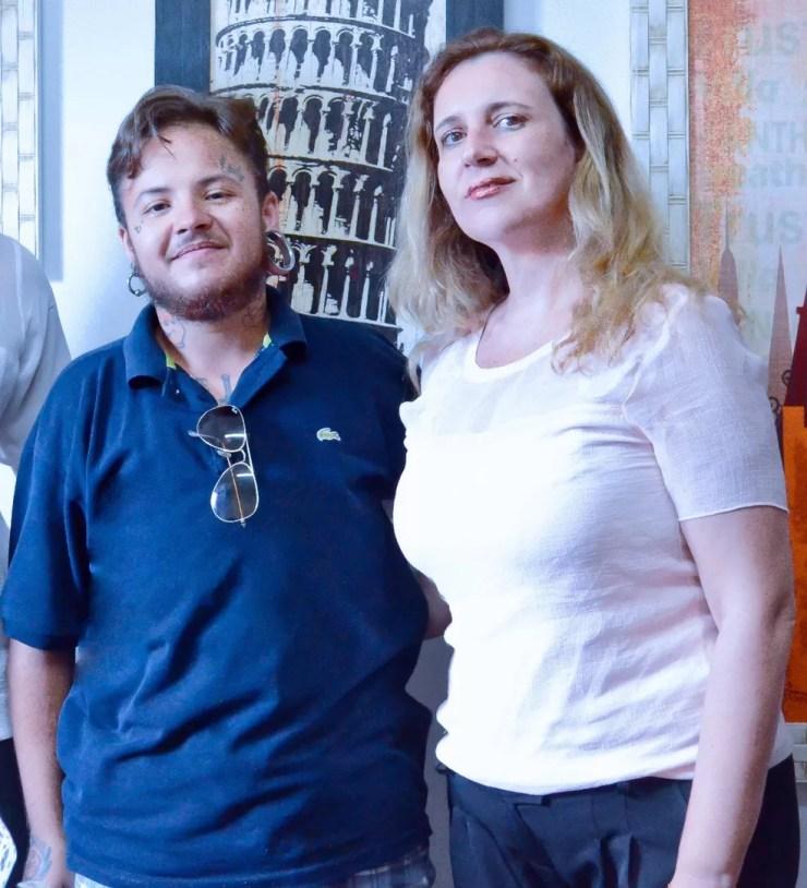 Étory ao lado de sua advogada, Carmen Santos (Foto: Étory Gonzaga/Arquivo Pessoal)