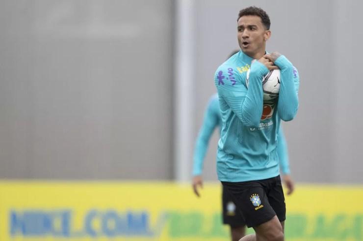 Lateral-direito Danilo agarrou chance como titular da Seleção — Foto: Lucas Figueiredo / CBF