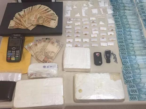 Cocaína apreendida com italiano tem alto grau de pureza, segundo a Polícia Civil (Foto: Polícia Civil/Divulgação)