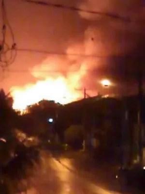 Incêndio chamou a atenção de moradores  (Foto: Luana Moret/Arquivo Pessoal)
