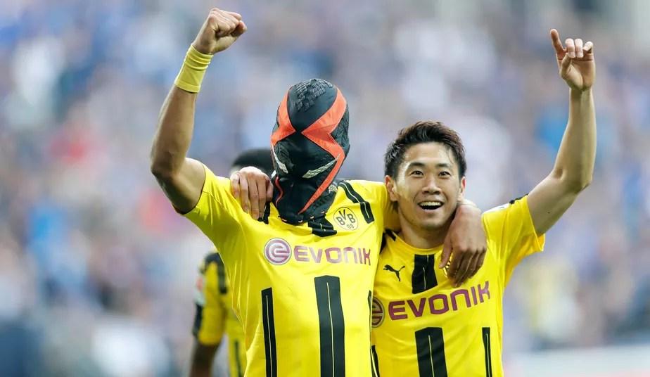 Aubameyang marca, veste máscara, mas Dortmund cede empate ao Schalke