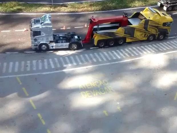 Percurso de truck modelismo tem sinalização na pista (Foto: Cesar Tiso/ Arquivo Pessoal)