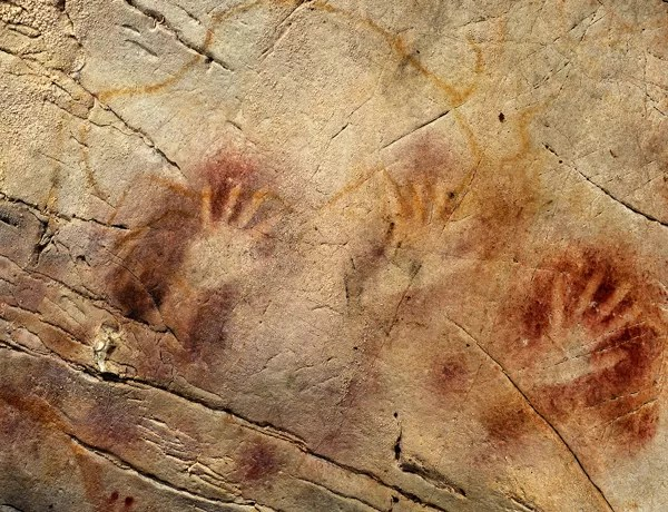 Arte rupestre mais antiga da Europa, na caverna de El Castillo, na Espanha, tem 40.800 anos (Foto: Reuters)